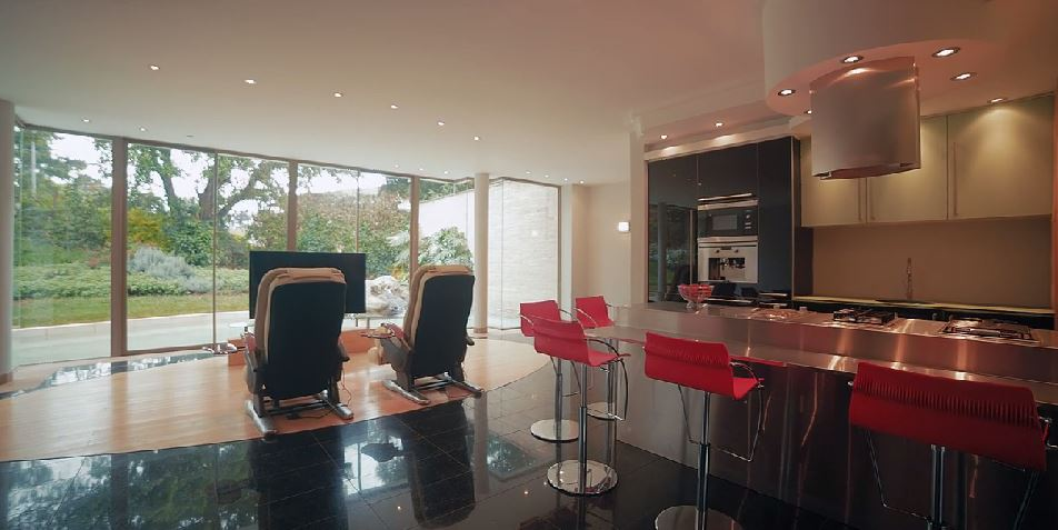 Top 25 kenya s most luxurious houses a rare inside look for Beautiful houses inside view